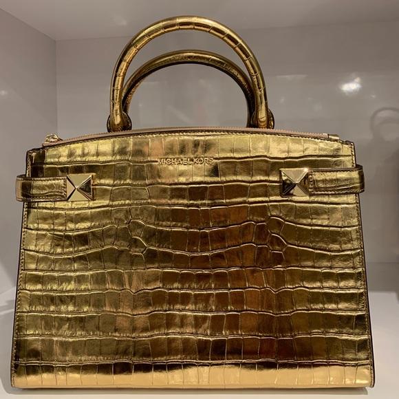 189f73919d78 Michael Kors Karla Medium Satchel Gold Leather